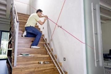 Bosch Quigo Kreuzlinien-Laser + Universalhalterung (7 m Arbeitsbereich) - 2